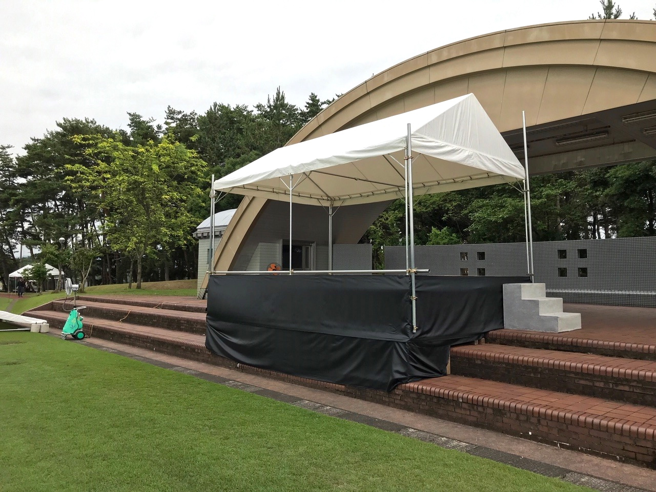 ステージテント