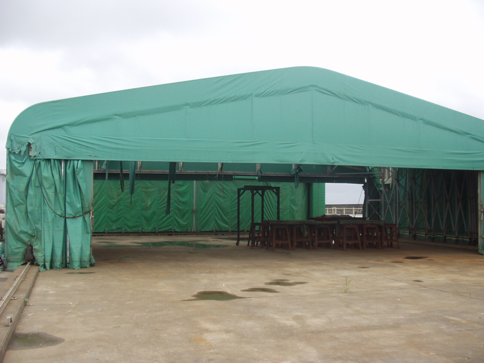 大型テント(ジャバラ式)